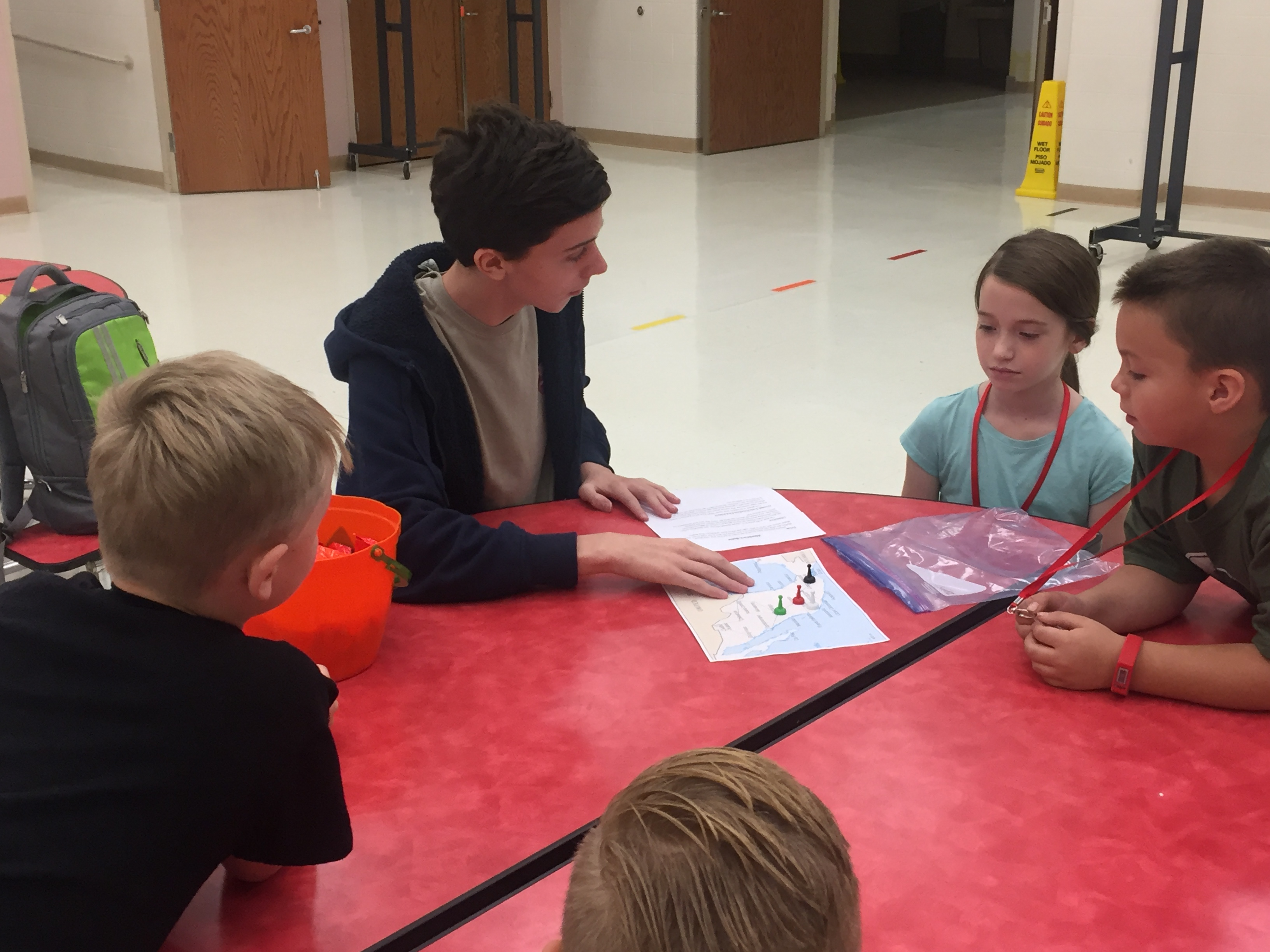 High school Spanish Club students partner with elementary
